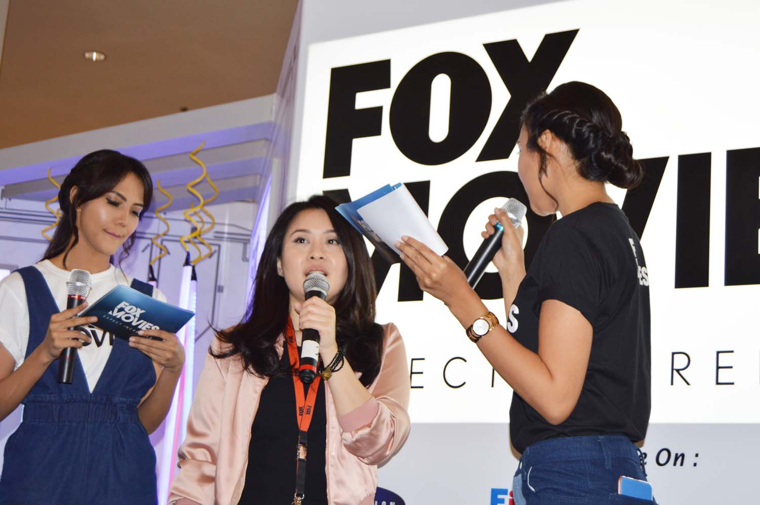 <a  style='text-decoration: none; font-weight:bold;' href=http://redwhitecommunication.com:80/index.php/_home/news/id/MTIy.php>Fox Movies Lakukan Perubahan Saluran Mulai 10 Juni 2017</a>