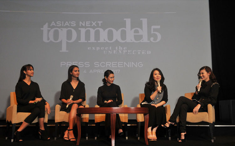 <a  style='text-decoration: none; font-weight:bold;' href=http://redwhitecommunication.com:80/index.php/_home/news/id/MTE4.php>14 Model Berbakat Siap Bersaing Meraih Juara Asia's Next Top Model 5</a>